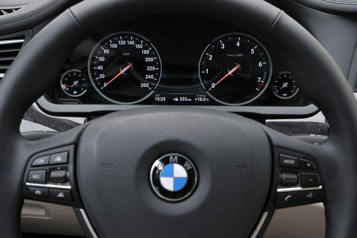 BMW steering wheel stock