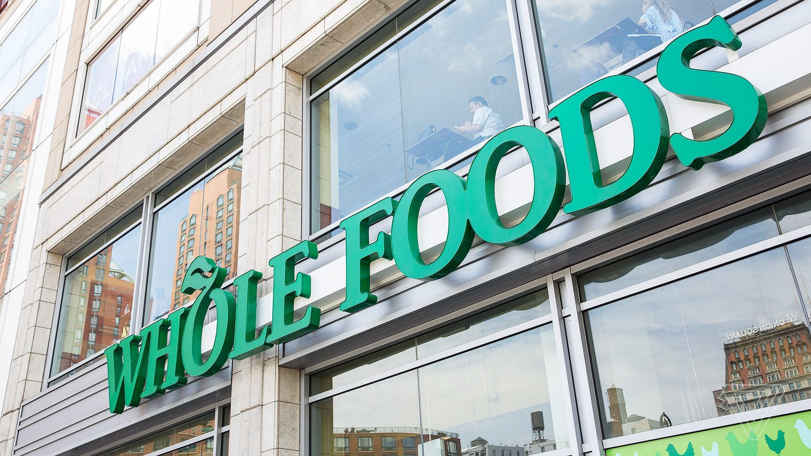 The FTC says it won't stop Amazon from buying Whole Foods
