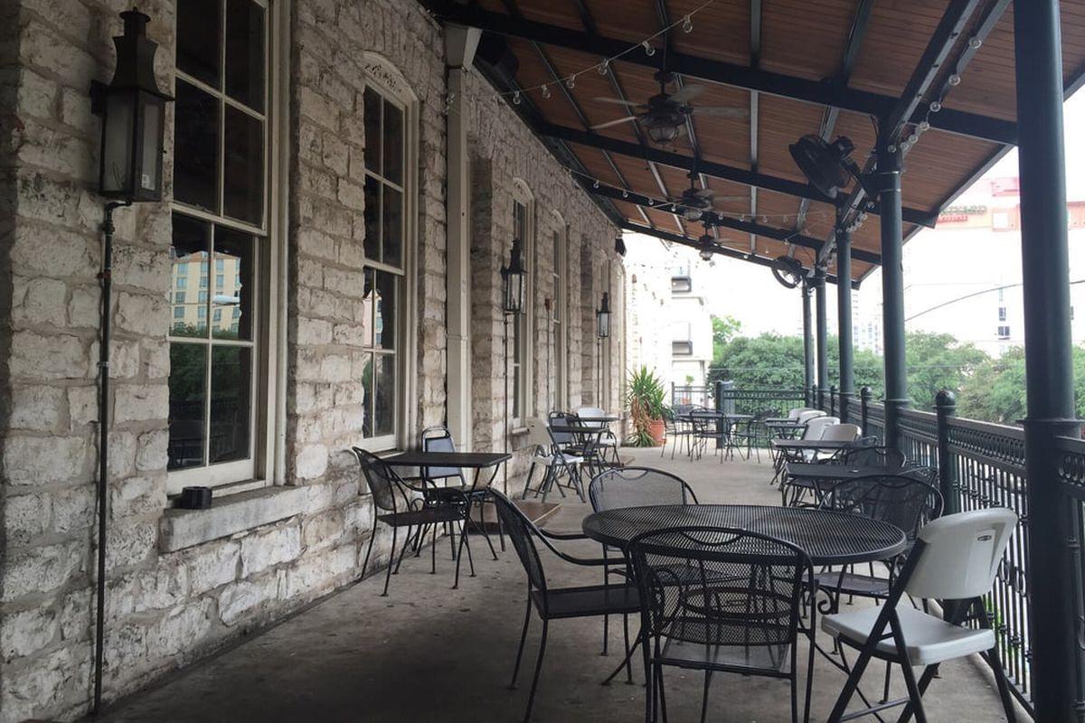 Old School Bar & Grill's patio