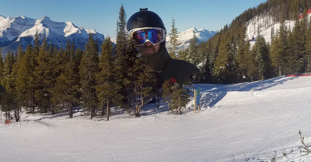 I can't stop looking at this wonderfully bad Google Photos panorama stitch