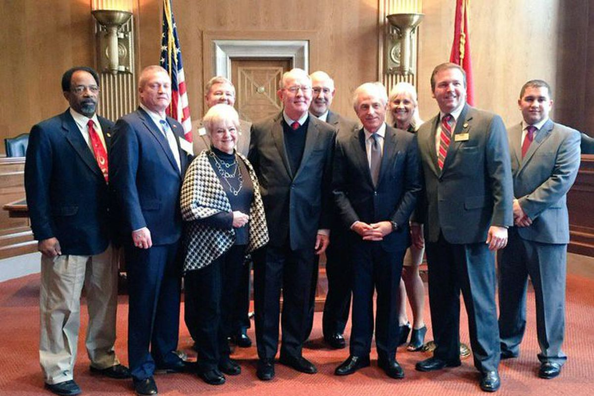 Members of the Tennessee School Boards Association  meet with lawmakers in Washington D.C., including U.S. Sens. Lamar Alexander and Bob Corker.