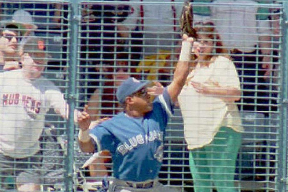 Toronto Blue Jays' left fielder Candy Maldonado ma