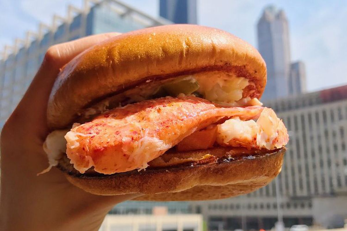 Chicago's Happy Lobster Truck Brings Maine Lobster Rolls to Austin - Eater Austin