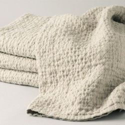 """<b>The Grommet</b> helps people shop by values, so it's no surprise they highlighted a local do-gooder, JoAnne Chirico's <b>Goodlinens</b>. Made from Lithuanian linen (derived from flax plants), these towels (<a href=""""http://www.thegrommet.com/good-linens"""