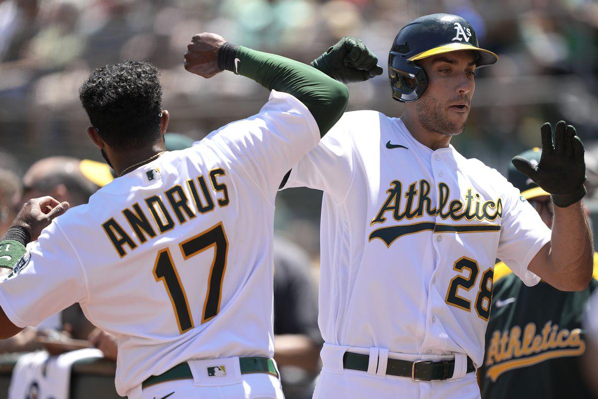 Los Angeles Angels v Oakland Athletics