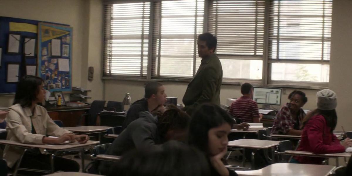 Travis's classroom empties out on Fear the Walking Dead.