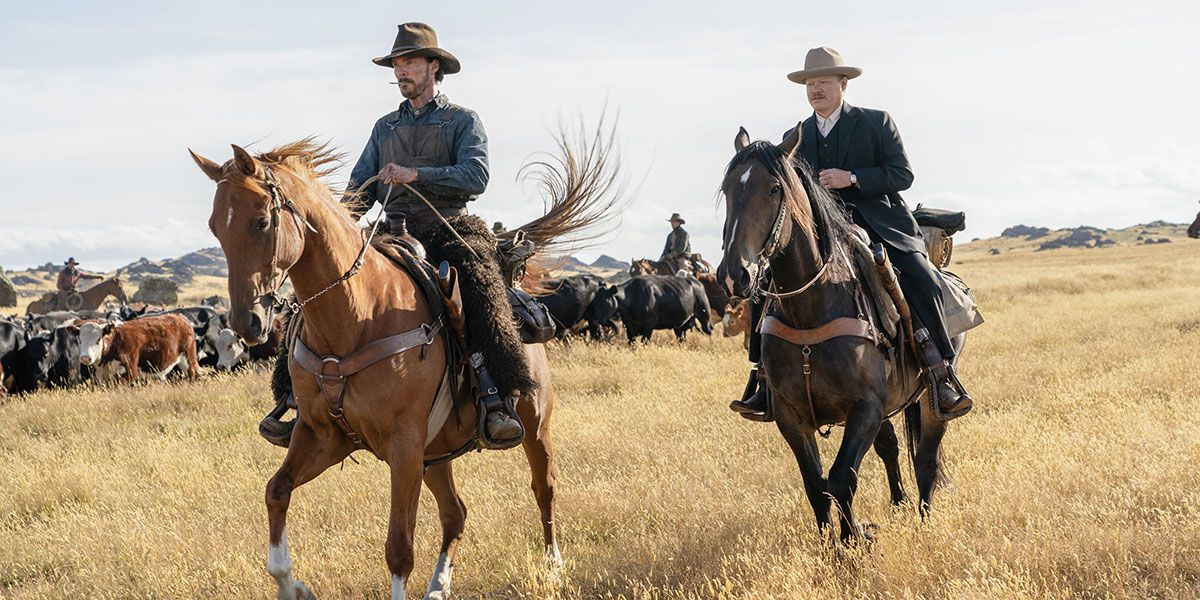 Benedict Cumberbatch and Jesse Plemons on horses in The Power of the Dog