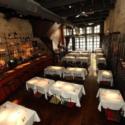 Many say the West Loop dining scene wouldn't be what it is today without Vivo, which celebrated its 20th anniversary in 2011. The exposed brick, metal-work back bar, draped curtains, dramatic wine wall and the romantic (if not sometimes hedonistic) elevat