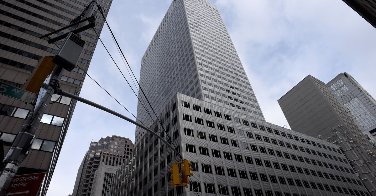 Isamu Noguchi's artwork may be removed from Midtown lobby