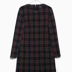 "Mango check dress, <a href=""http://shop.mango.com/US/p0/women/clothing/dresses/check-dress/?id=33017549_09&n=1&s=prendas.vestidosprendas&ident=0__0_1421614728787&ts=1421614728787"">$39.99</a>"