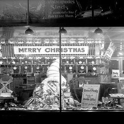 The Salt Lake Hardware Co. shows off its tools in a Christmas window display in 1913.