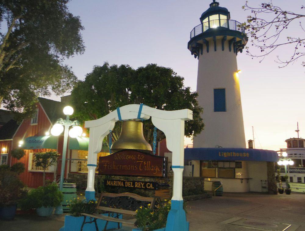 Lighthouse-Fountain-Grill-Marina-Del-Rey_2015_02.jpg