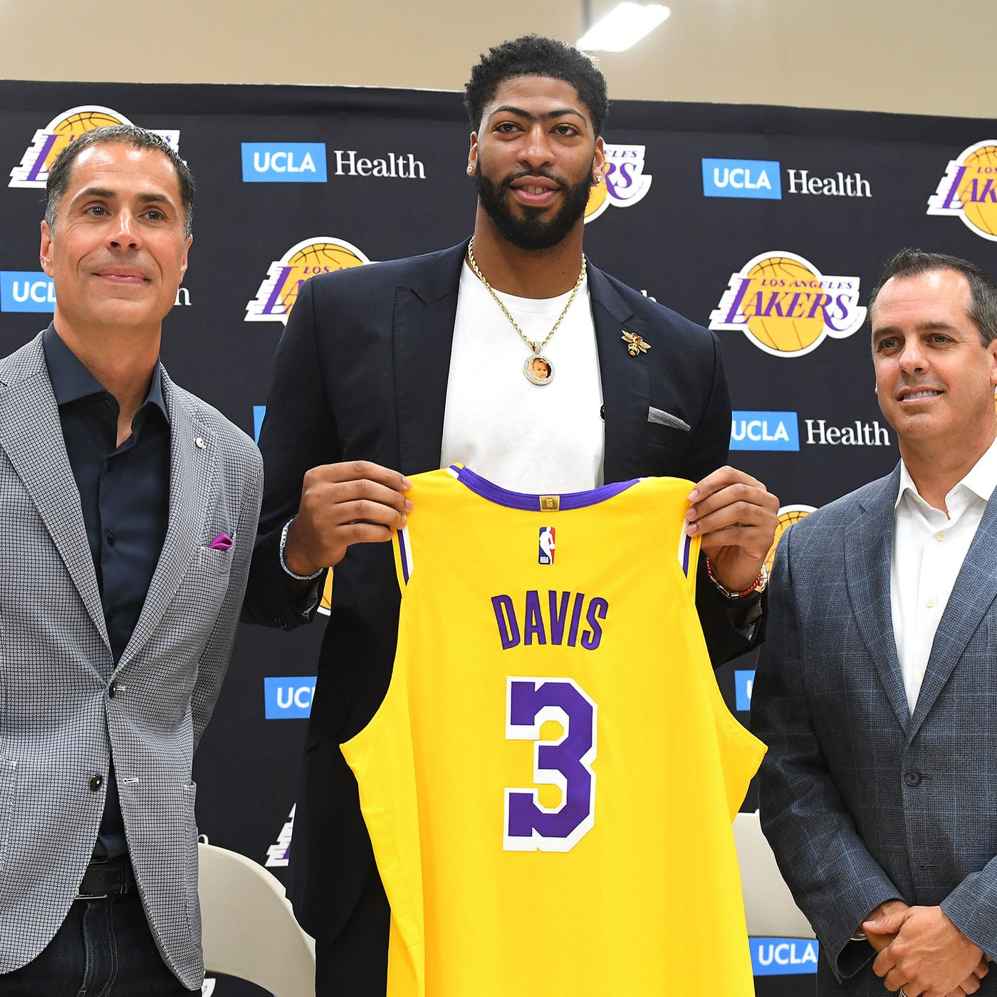 Lakers Anthony Davis Says He S The Best Basketball Player