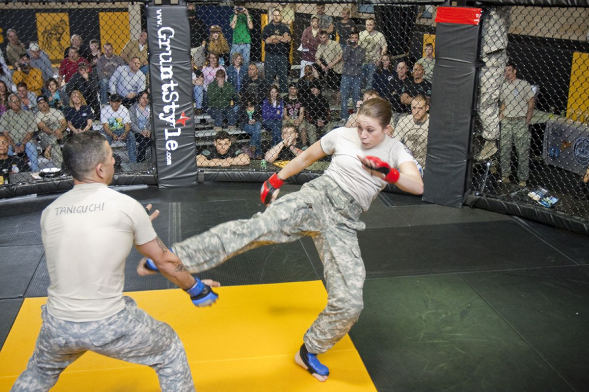 """From 2010 Fort Benning Combatives Tournament. Photo by Clint West at <a href=""""http://www.nationalguard.com/photos/i-gx-i-on-the-road/3496?collection=44"""" target=""""new"""">NationalGuard.com</a>"""