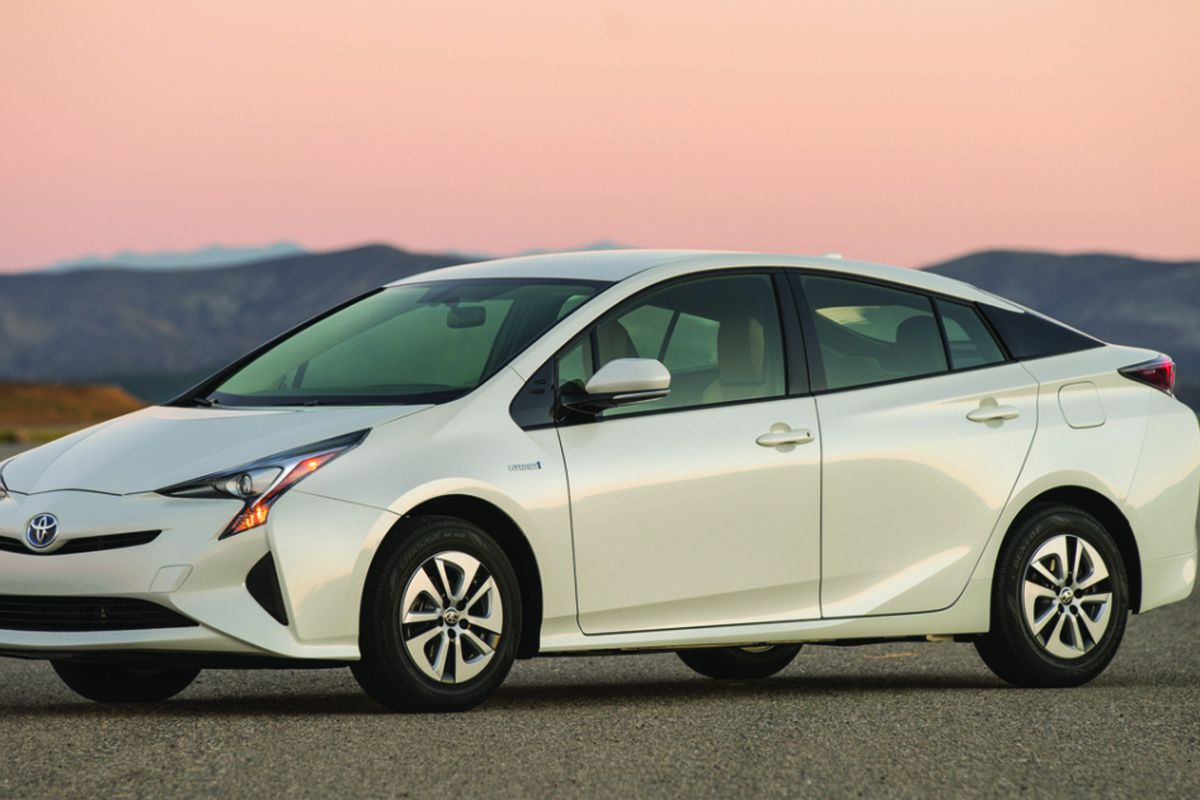 With A Combined Fuel Economy Rating Of 52 Mpg The Toyota Prius Is Most Efficient Non Plug In Hybrid Car You Can