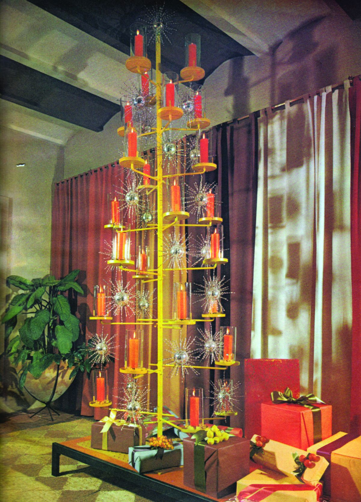House Beautiful, December 1961 Reprinted With Permission Of Hearst Communications,