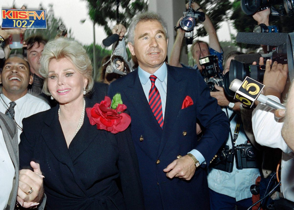 Zsa Zsa Gabor and husband Prince Frederick von Anhalt enter Beverly Hills Municipal Court in 1989 for her hearing on a misdemeanor battery charge for slapping a traffic police officer.   WADE BYARS/AFP/Getty Images