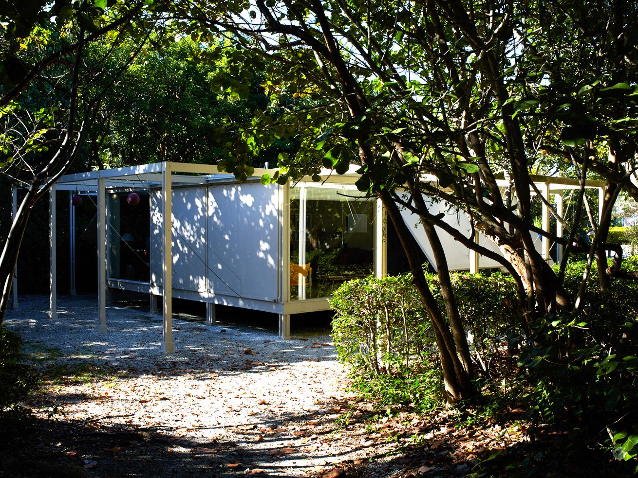 Paul Rudolph's 1952 Walker Guest House in Sanibel Island, Florida, photographed in 2015.