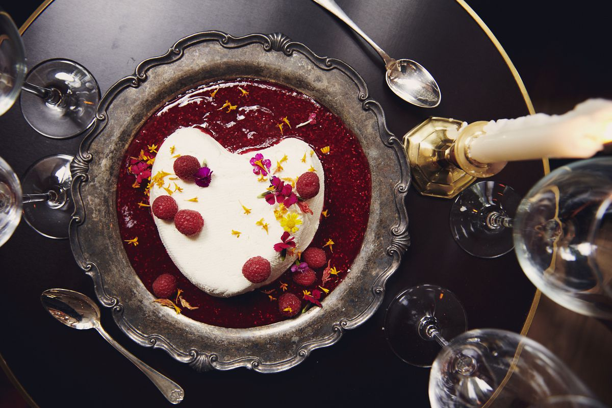 Coeur a la creme with raspberry sauce for two