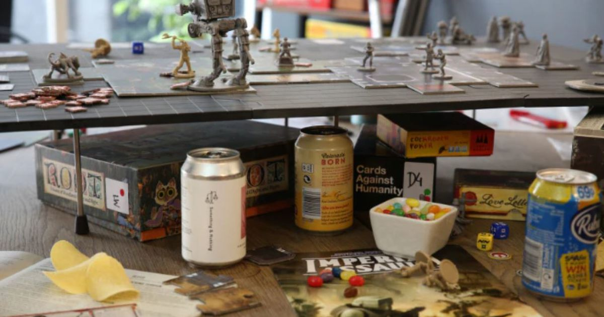 A campaign to make a pizza tray for your board games raised $1M on Kickstarter