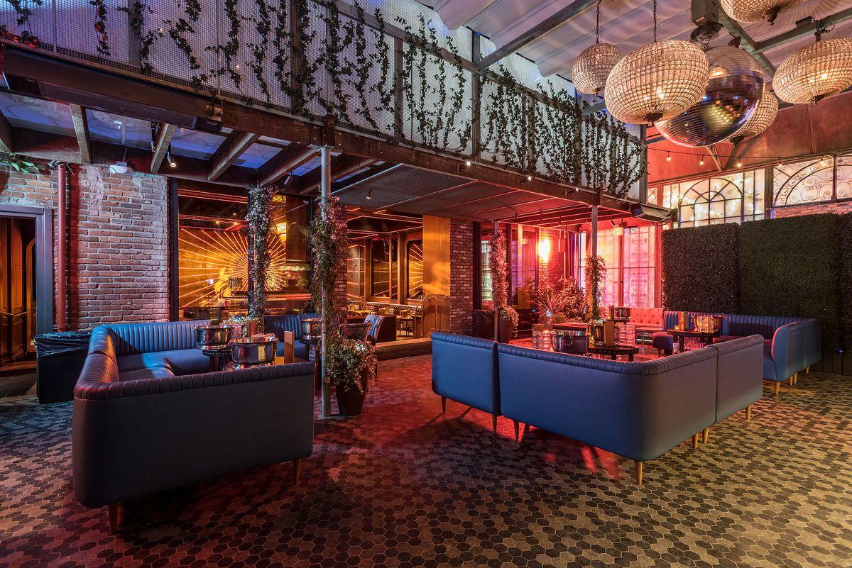 Avenue Hollywood Nightclub Interior 5