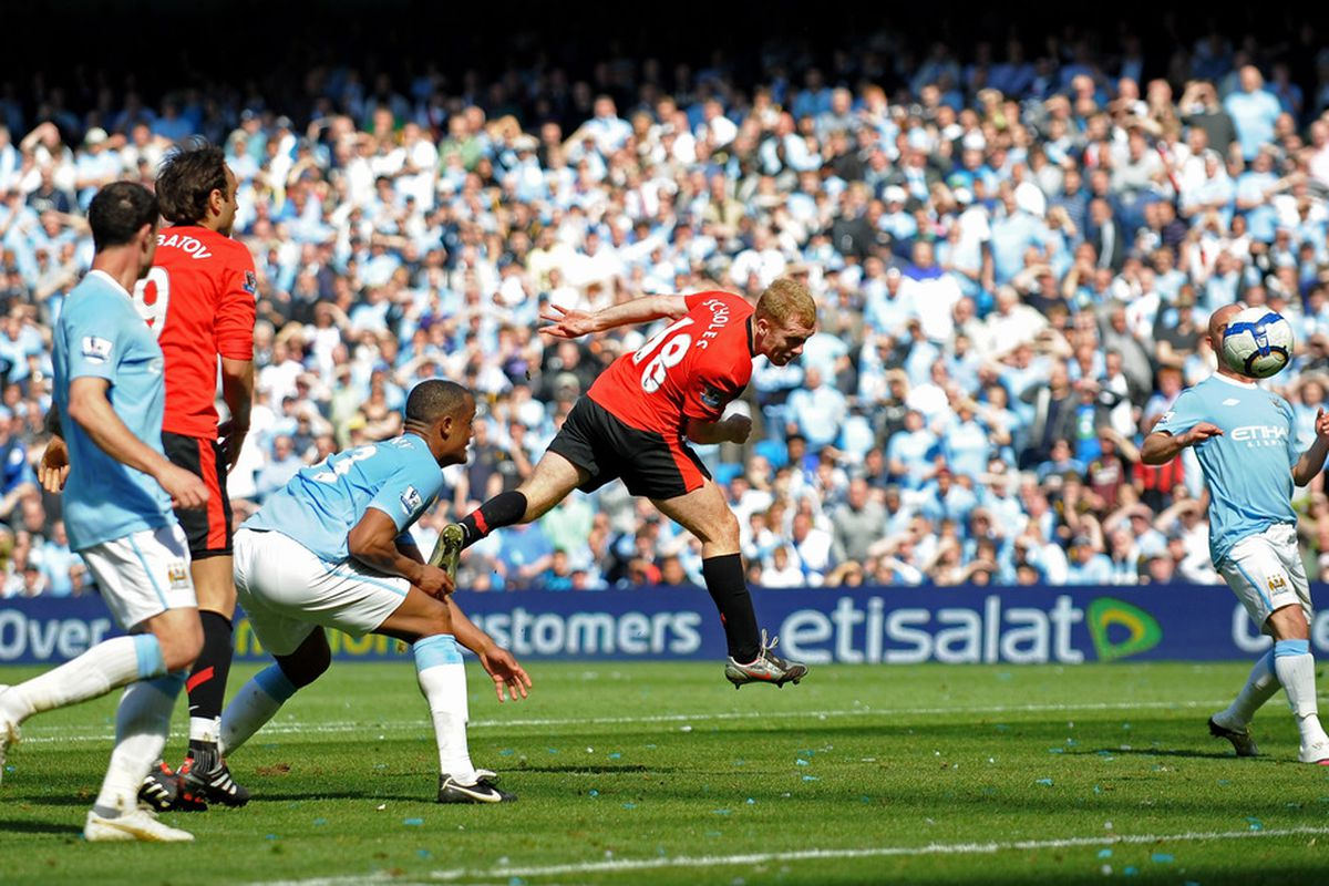 Paul Scholes heads the United winner in injury time. (Picture from getty images).
