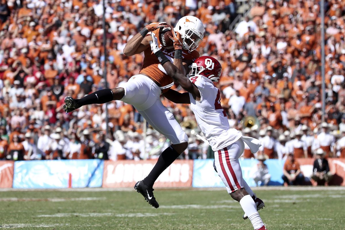 Two Texas players cleared for Kansas game