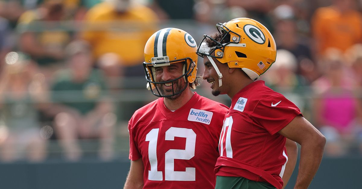 Packers Practice Notebook, 8/5: Love's mindset, QB relationships, and a versatile O-line - Acme Packing Company
