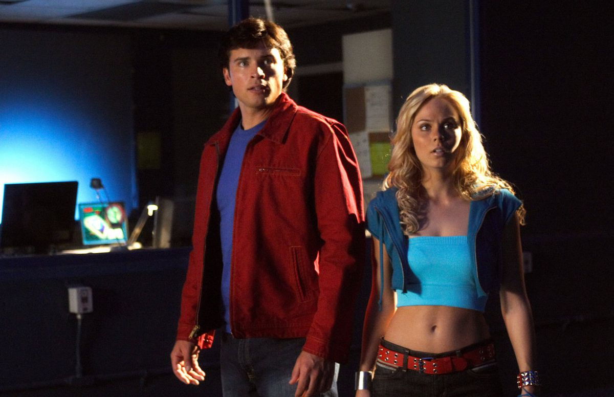 Tom Welling and Laura Vandervoort as Superman and Supergirl in Smallville