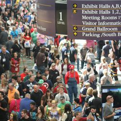 With more than 50,000 tickets sold, Comic Con goers filled the convention halls to the max during the final day of the convention.