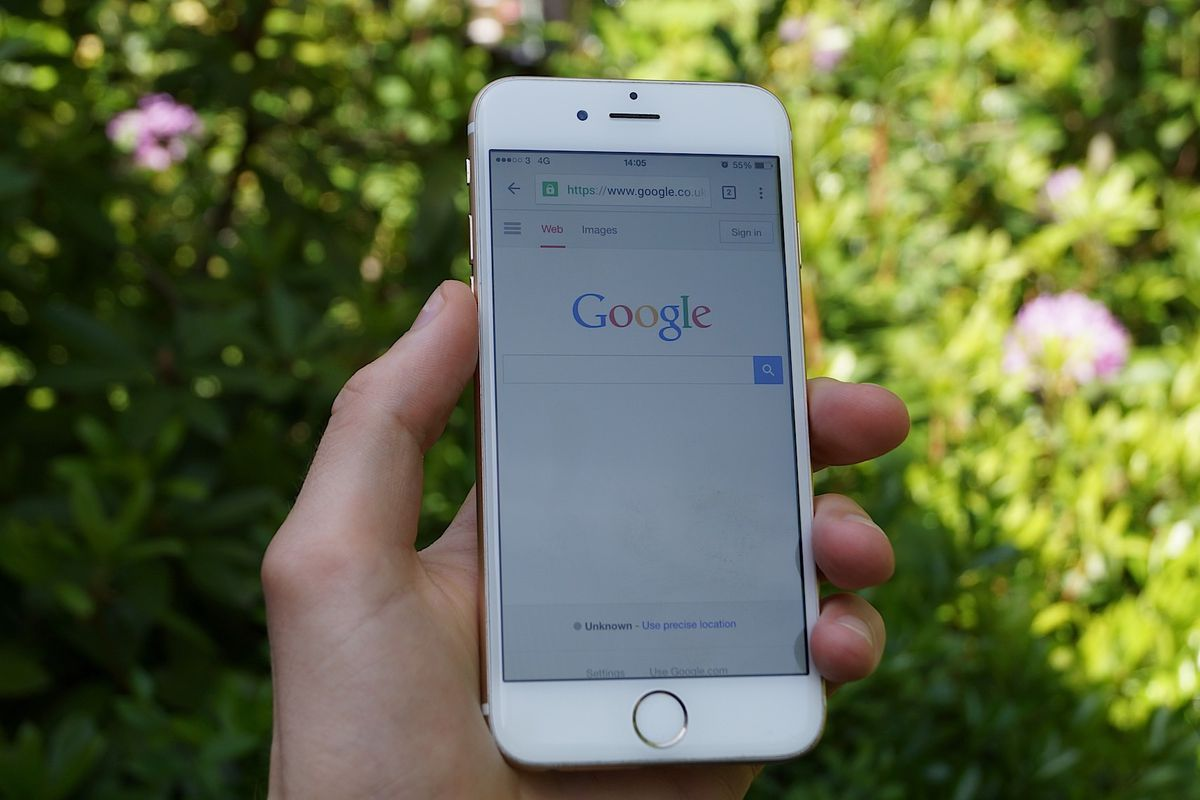 Facebook now surfacing public profile information in mobile Google