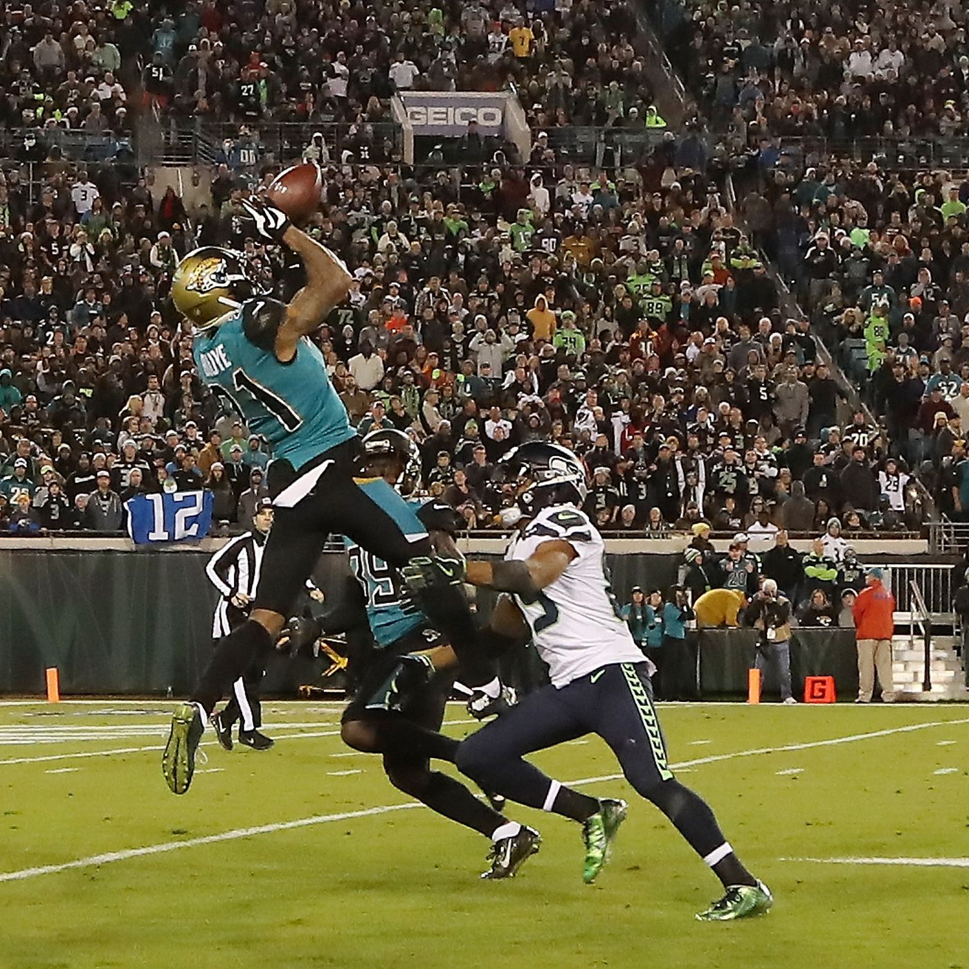 33f72638b9a Seahawks-Jaguars final score  Seattle loses 30-24 as 4th quarterback  comeback falls short