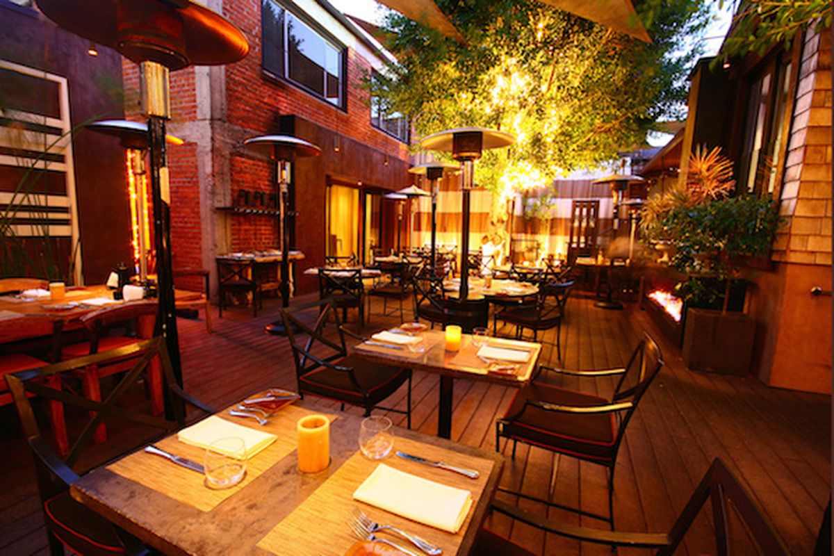 Santa Monica S Wilshire Restaurant Closes To Rebrand After