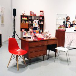 We dig this mid-century modern Hello Kitty set-up.