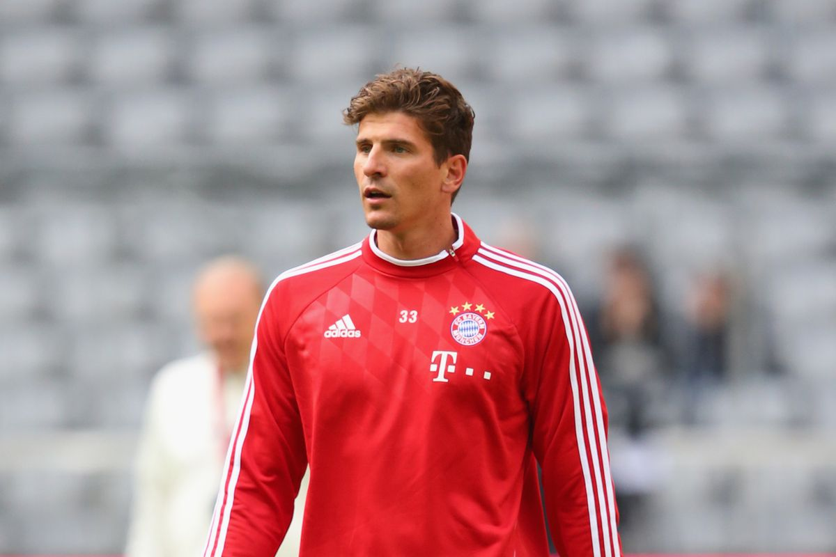 Mario Gomez officially transfers to Fiorentina from Bayern Munich