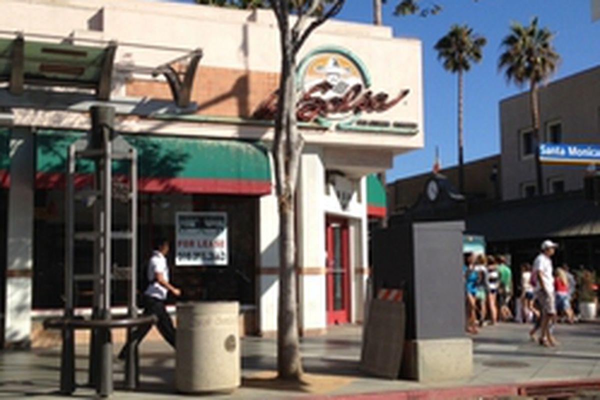 3rd Street Promenade Hours >> La Salsa Done Later Hours At F Nuts La Chefs In Laguna Eater La
