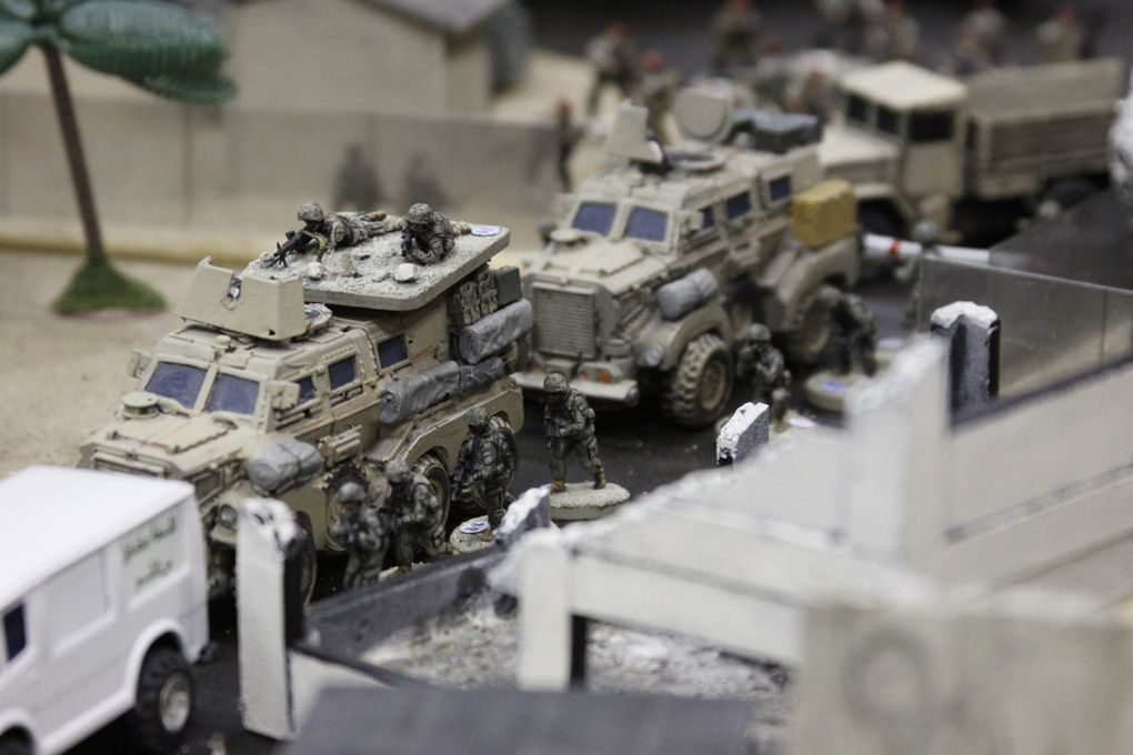 toy soldiers essay The toy soldier company website offers a huge selection of plastic toy soldiers and metal toy soldiers, ranging from painted metal miniatures to unpainted plastic green army men, in scales from 1/32nd or 54mm to 1/72nd or ho, plus much more.