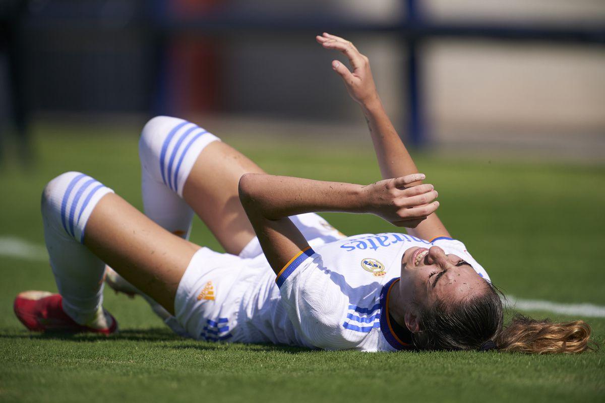 Levante UD v Real Madrid - Primera Division Femenina