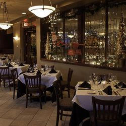 Another view of the dining room at Kelly's Prime Steak & Seafood.