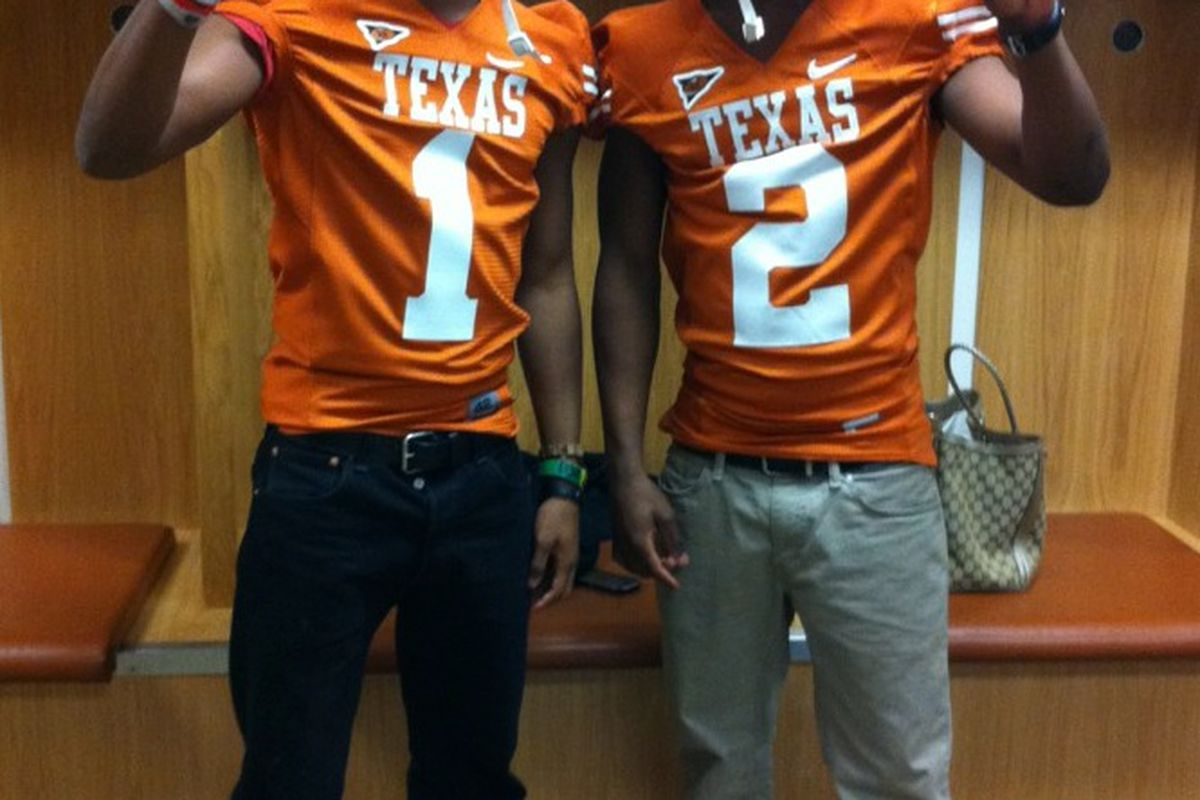 Dallas Skyline WR Ra'Shaad Samples (left) and DeSoto APB Dontre Wilson threw their Horns up at the first Texas Junior Day. However, neither committed (via @10justscored).