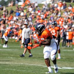 Broncos RB De'Angelo Henderson Sr. about to catch a pass during training camp.