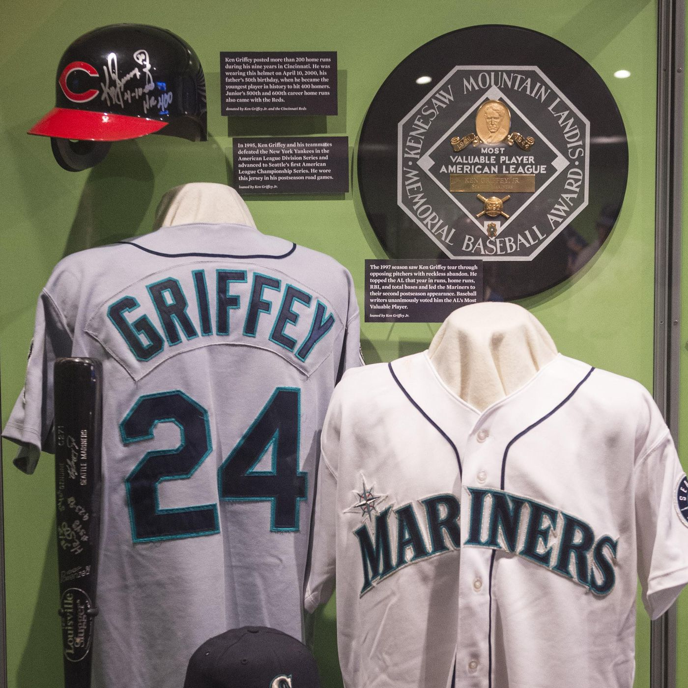 Ken Griffey Jr  inducted into the baseball Hall of Fame