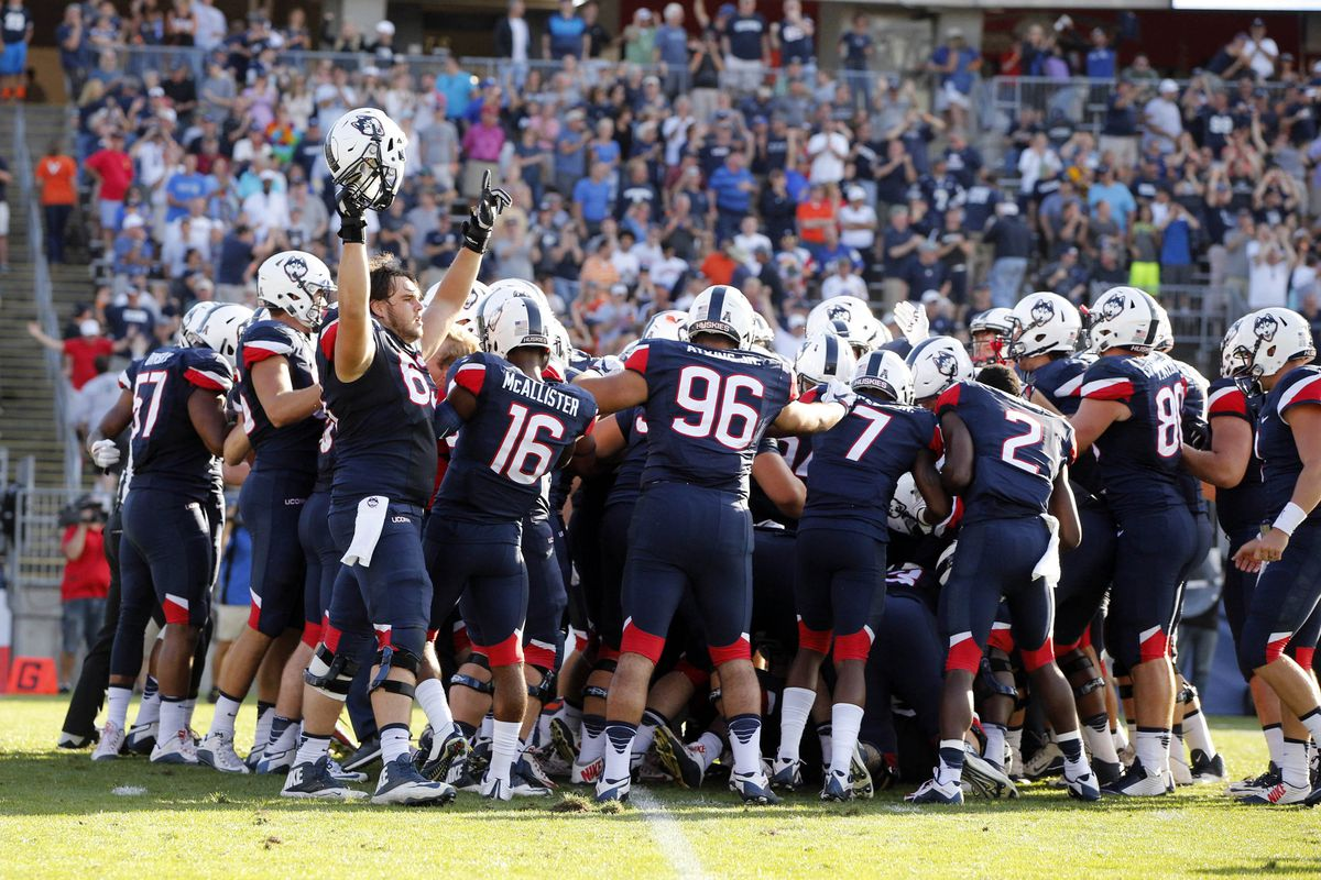 NCAA Football: Virginia at Connecticut