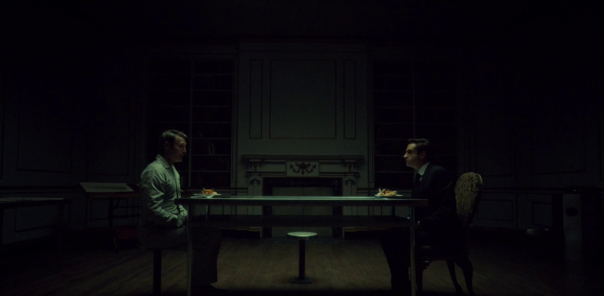 Hannibal and Chilton have dinner.