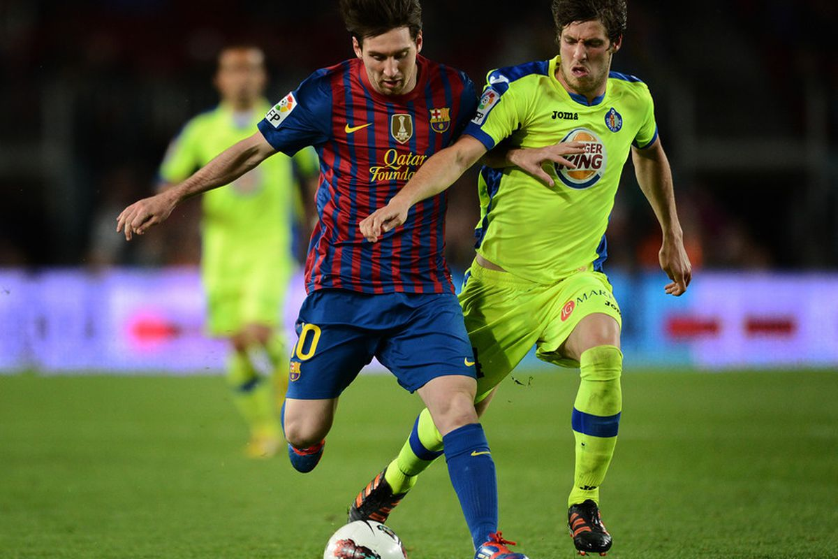 BARCELONA, SPAIN - APRIL 10:  Lionel Messi played a role he does not normally for Barcelona, behind a central striker.  (Photo by Jasper Juinen/Getty Images)