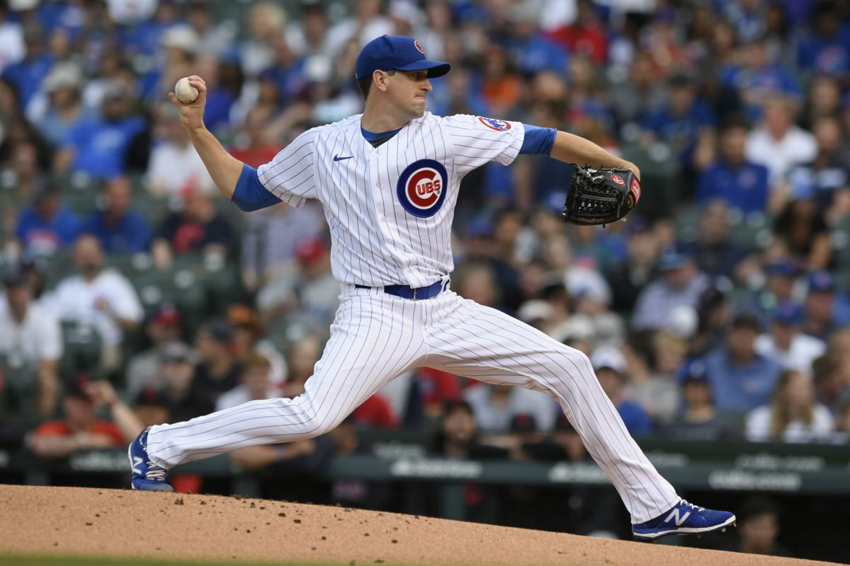 Cubs starter Kyle Hendricks delivers a pitch during the first inning of Tuesday's game against the Indians.