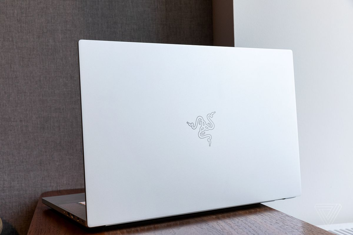 Razer Blade 15 Advanced review: good gaming machine, bad laptop