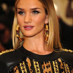 But here's a close-up of her earrings