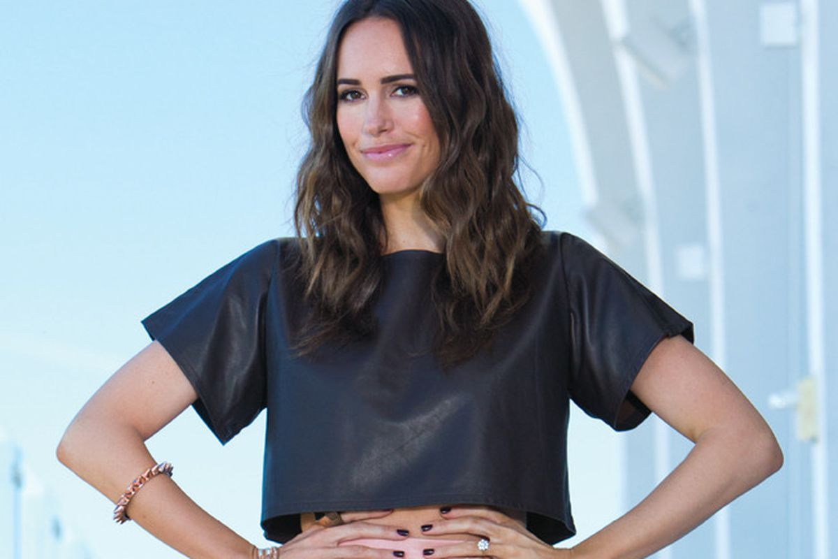 """Image via <a href=""""http://la-confidential-magazine.com/personalities/articles/louise-roe-sizes-up-fashion-star"""">Los Angeles Confidential</a>"""