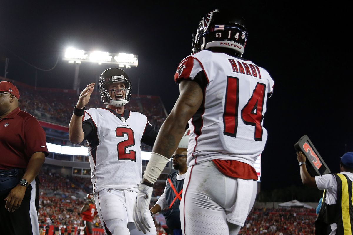 Falcons dump Bucs to stay in NFC South chase